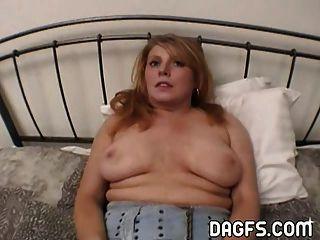Milf obtiene su culo estirado