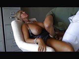 Mujer con grandes tetas chupar y joder