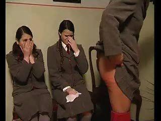 Nalgadas después de los resultados del examen