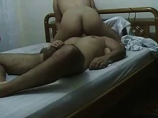 Cunnilingus y orgasmo de cara sentada