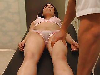 Masaje de salud se convierte en sexo parte 1