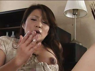 Futanari madre chica parte 1 de 4