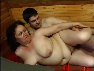 Abuelita anal y el chico