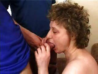 Abuelita rusa con 5 niños