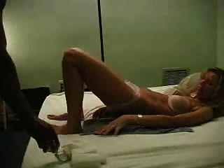 El primer video de mi gallo negro de mi esposa