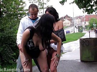 Sexual de riesgo sexo público dos niñas trío.¡increíble!