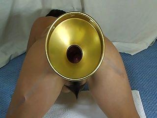 Elmer esposa extrema bolas de cristal para llenar su culo