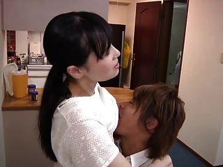 Joven esposa y joven madre en la ley escena 11 (censurado)