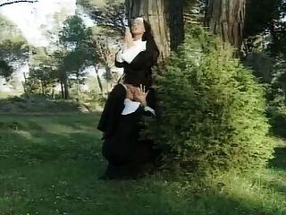 Francesas lesbianas inmorales monjas
