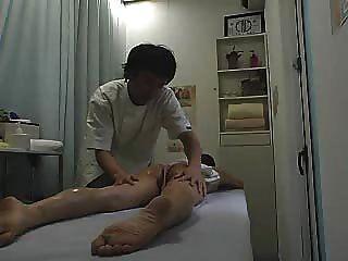 Parte 1 del sexo del masaje del balneario de la salud del spycam