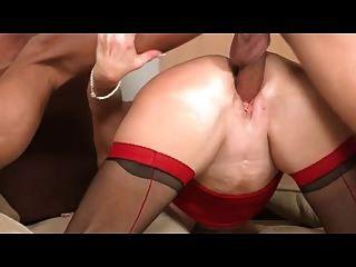 Rubia delgada obtiene su linda cara cubierta de esperma caliente 1