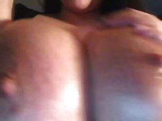 Webcam chica aceites grandes pechos, pezones y lactatos (mrno)