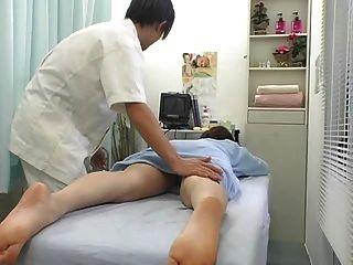 Sorprendente orgasmo durante la parte de masaje 1