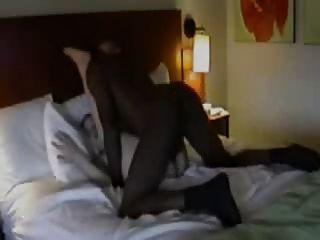 Marido películas esposa con negro en el hotel