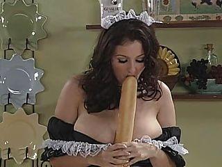 Lorna morgan como sirvienta francesa