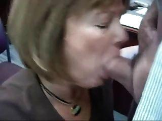 La práctica de la esposa en la oficina hace perfecto