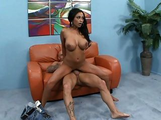 Tetas grandes busty perfect body indian brunette