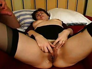 Piercing milf en medias boquiabierto fuck anal y facial