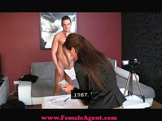 Creampie de casting accidental de femaleagent