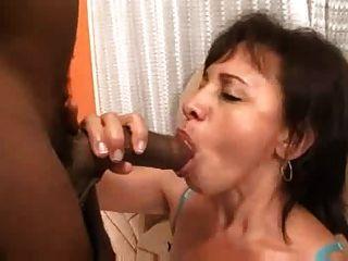 Brasileña mamá y hija foursome anal s88