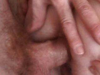 Pelirrojo rechoncho con coño peludo