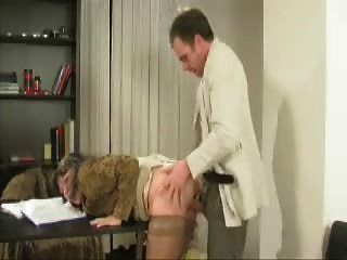 Petite baise au bureau