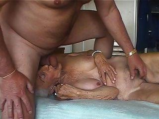 Amante pervertido 3 de la abuelita