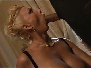 F60 big boobs madura se hace anal