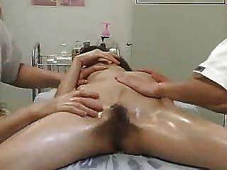 Parte 2 del sexo del masaje del balneario de la salud de spycam