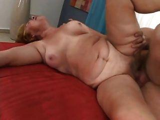 Olga 68 años fucks carlo 32 años