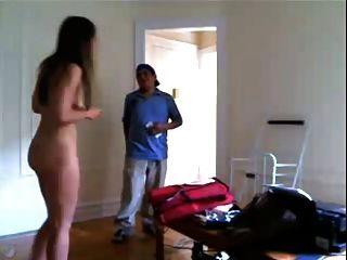 Chico de entrega de niña desnuda 2