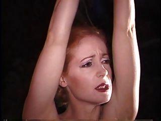 Mujer azotando