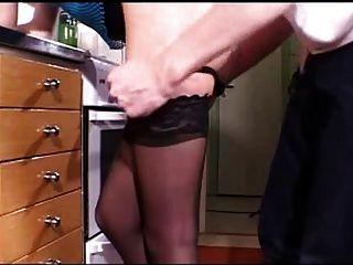 Rubia joven follada en cocina csm