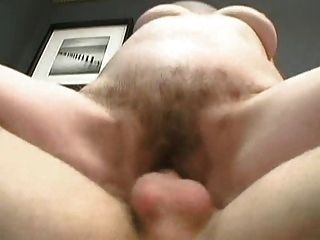 La abuela peluda obtiene un facial