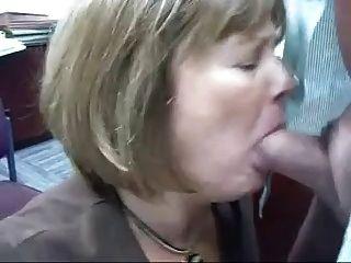 Cabeza madura # 71 (dos vids de la mujerzuela de oficina haciendo su trabajo)
