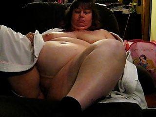 Wanda mostrando sus enormes tetas y coño
