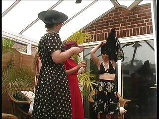 Festival de verano de las señoras del pueblo