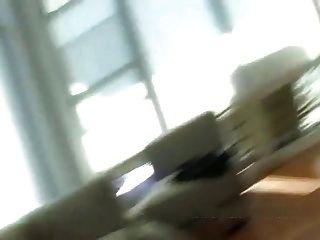 Mujer engañosa prueba su coño con dos hombres negros cireman