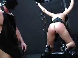 Esclavitud dolor fisting humillación