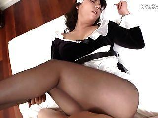 Follada de nylon del sexo de la criada del pantyhose japonés