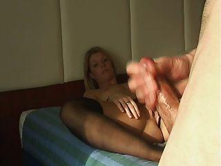 image Chica filma a su novia follada en el culo por bbc