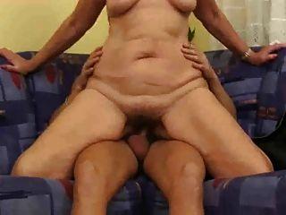 Mujer mayor joder joven