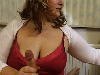Milf con los boobs grandes boobs trabajo