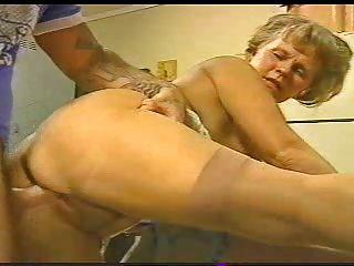 Cachonda mmf de la abuelita con los pernos prisioneros jovenes