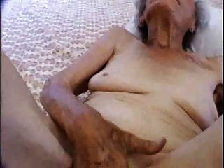 Mamá embarazada todavía ama el sexo