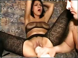 Toying extrema y fisting morena caliente