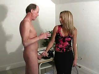 Caliente jefe chica sacudida viejo hombre f70