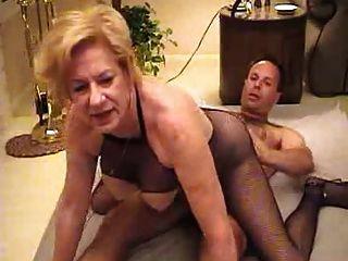 Hot granny diane richards golpeando el ventilador