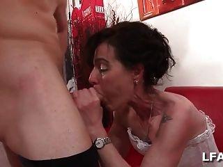 Doble penetración para una madura