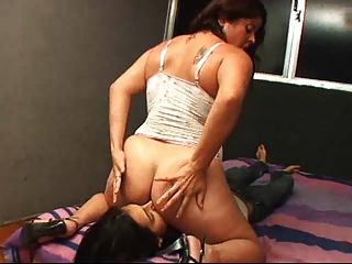 Gleycie alvez farting girl y asslicking